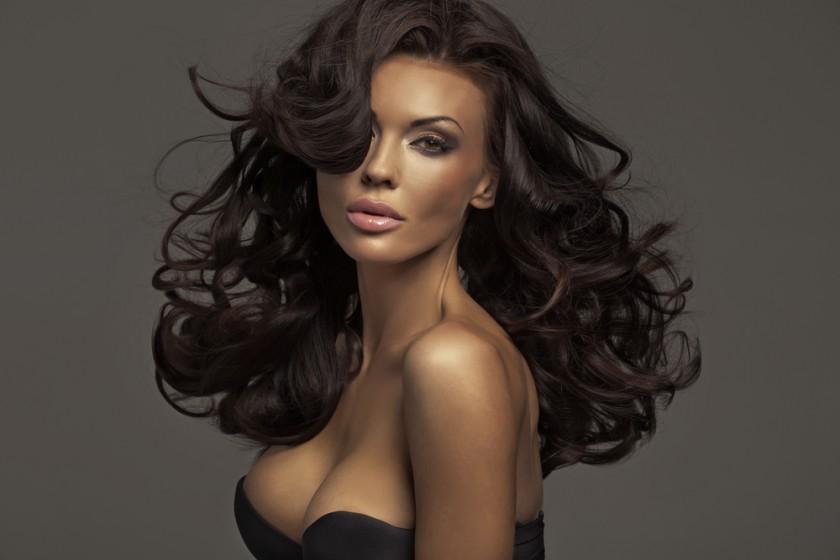 Brunette Beauty by conrado unter Verwendung Lizenz Shutterstock.com