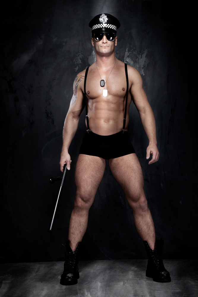Sexy_Police_Officer_naked_by_PawelSierakowsky_Lizenz_Shutterstock.com