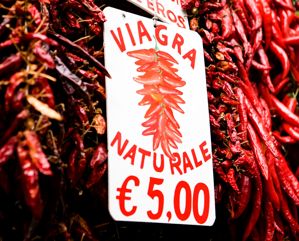Viagra naturale, big bunch of red hot chili peppers