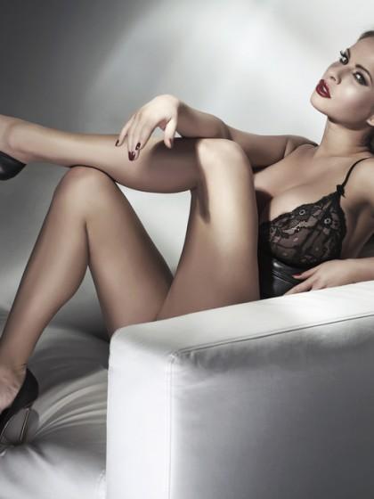 Seductive_blonde_beauty_by_conrado_unter_Verwendung_Lizenz_Shutterstock.com